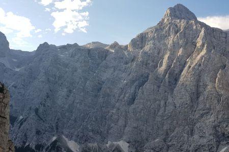 Sovatna 1700m - pogled na triglavsko steno.jpg