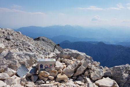 Rjavina - pogled z vrha proti Stolu.jpg
