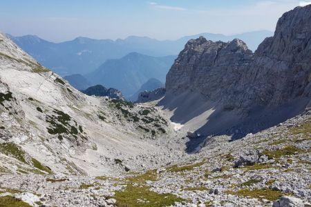 Proti Cmiru - dolina pod Cmirom.jpg