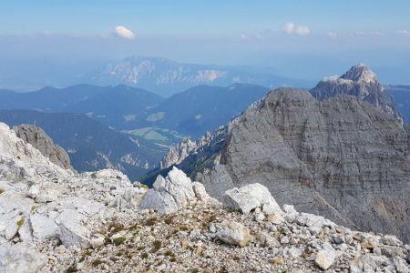 Dolkova špica - pogled proti Kranjski gori.jpg