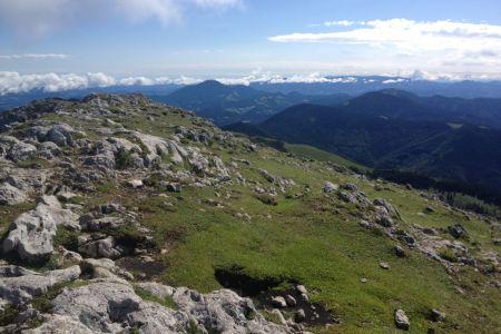 Raduha - pogled proti Uršlji gori.JPG
