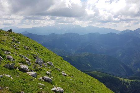 Veliki vrh - pogled proti Grintovcu.jpg