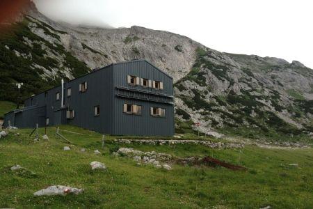 Kocbekov dom na Korošici.JPG