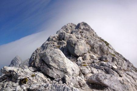 Jalovec - pogled z grebena na vrh.JPG