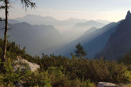 Kot - pogled na dolino Kot.jpg
