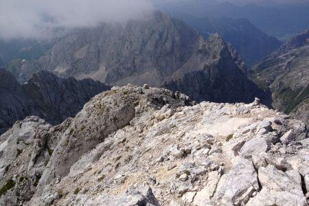Jalovec - pogled z grebena proti Vrhu Zelenic.JPG
