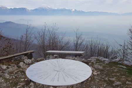 Lubnik - pogled proti Kamnioško Savinjskim Alpam.jpg